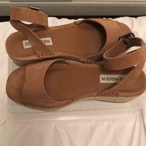 Beige espadrilles sandals